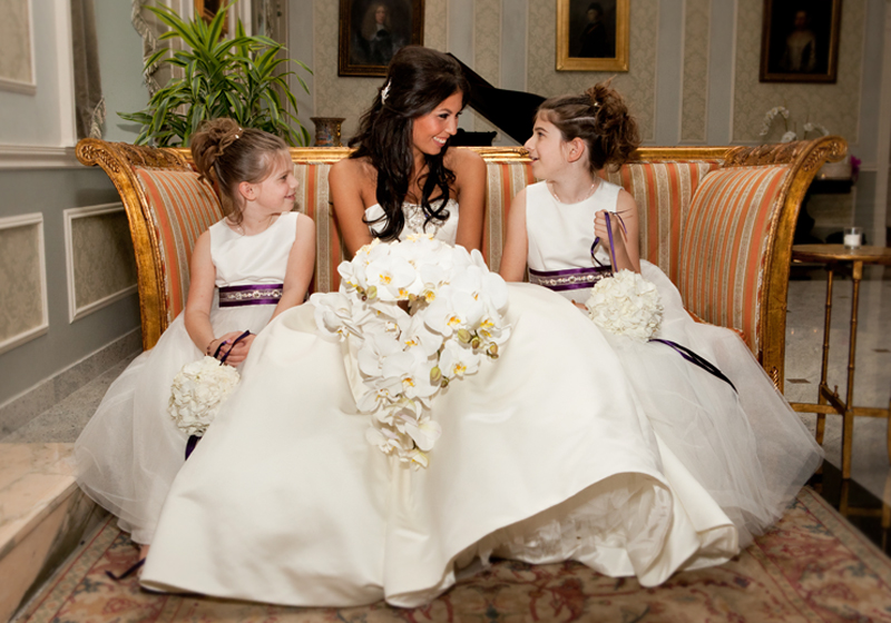 How cute is Bianca with her flower girls